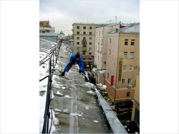 Уборка снега с крыш Киев